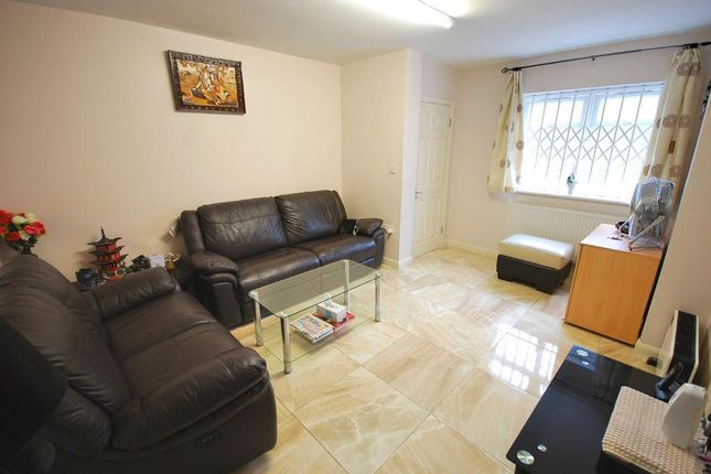 Thumbnail Flat for sale in Park Road, Wembley, Middlesex