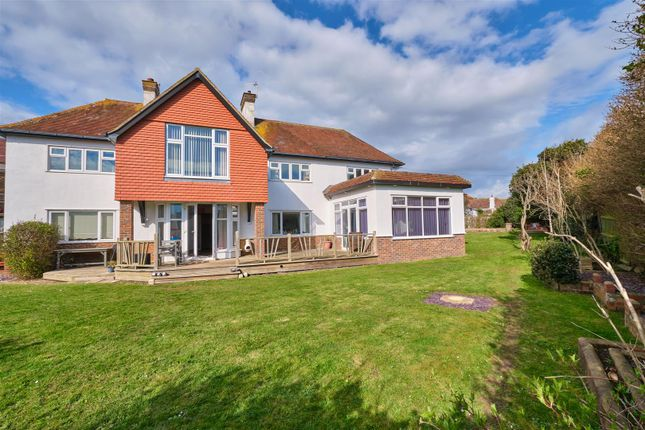 Thumbnail Detached house for sale in Chyngton Road, Seaford