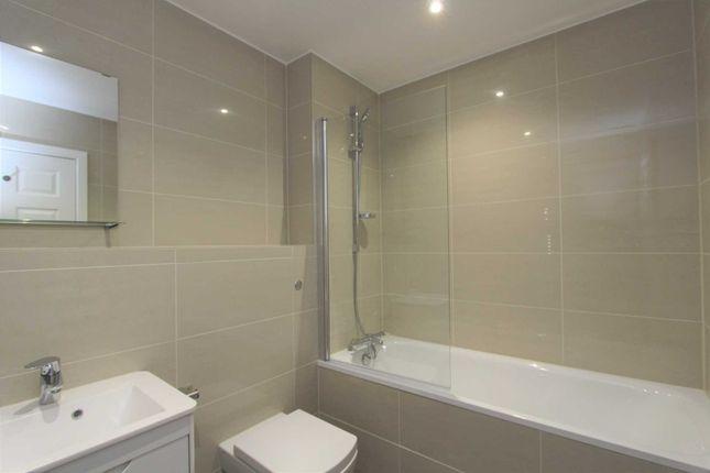 Thumbnail Flat to rent in Collington Close, Northfleet, Gravesend