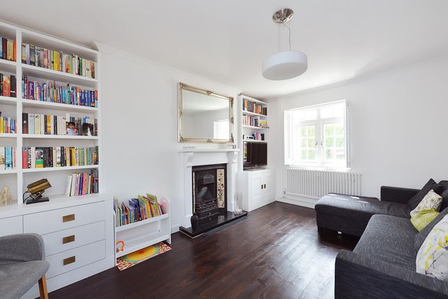 Thumbnail Terraced house to rent in Sunray Avenue, London