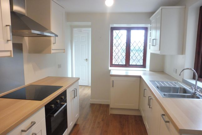 2 bed property to rent in Bridge Street, Llandaff, Cardiff CF5