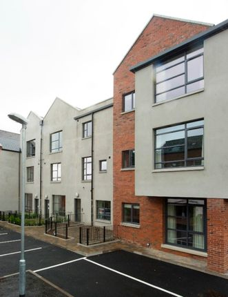 Thumbnail Flat to rent in Rossmore Drive, Belfast