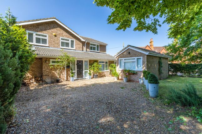 Thumbnail Detached house for sale in Hitchin Road, Shefford, Beds