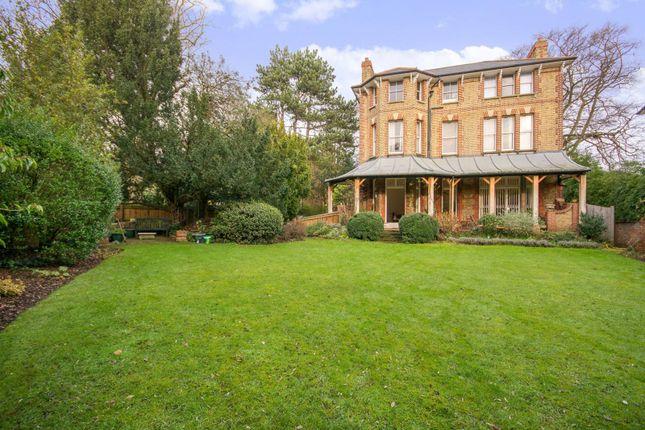Thumbnail Flat to rent in Arterberry Road, Wimbledon Village