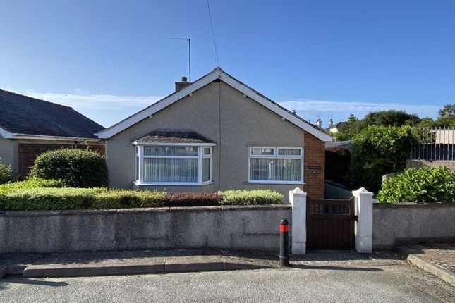 Thumbnail Detached bungalow for sale in Plashyfryd Crescent, Holyhead