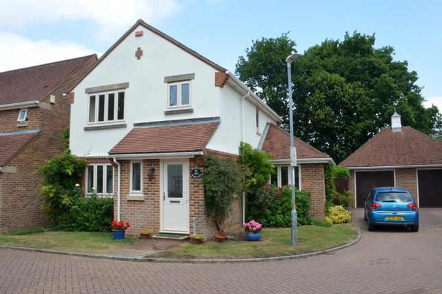 3 bed detached house to rent in Lansdowne Road, Sevenoaks