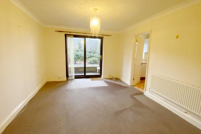 Thumbnail Property to rent in 85 Greenway, Eastbourne, East Sussex