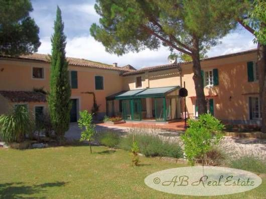 Thumbnail Property for sale in Nismes, France