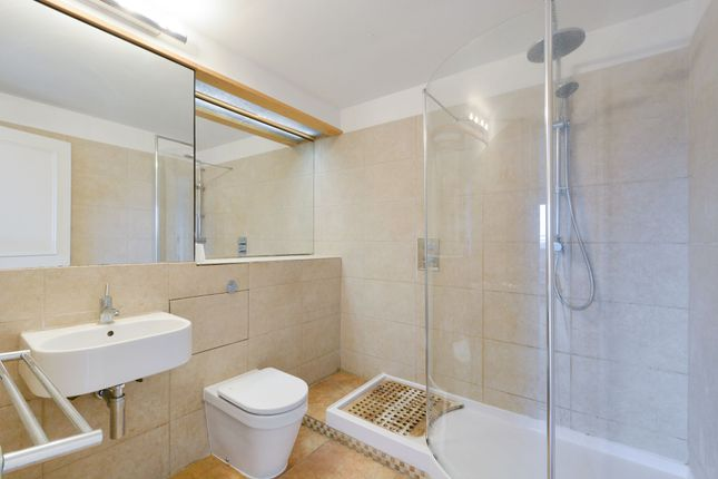 Thumbnail Barn conversion to rent in Odessa Street, London
