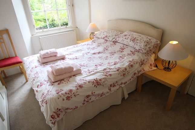 Thumbnail Flat to rent in Great King Street, Edinburgh