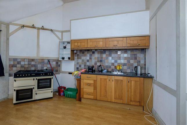 Kitchen of 6B Sunnycroft, Princes Avenue, Llandrindod Wells LD1
