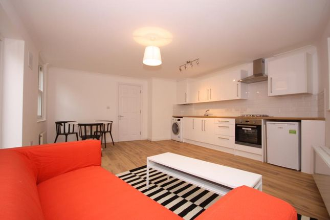 Thumbnail Flat to rent in Peckham High Street, Peckham