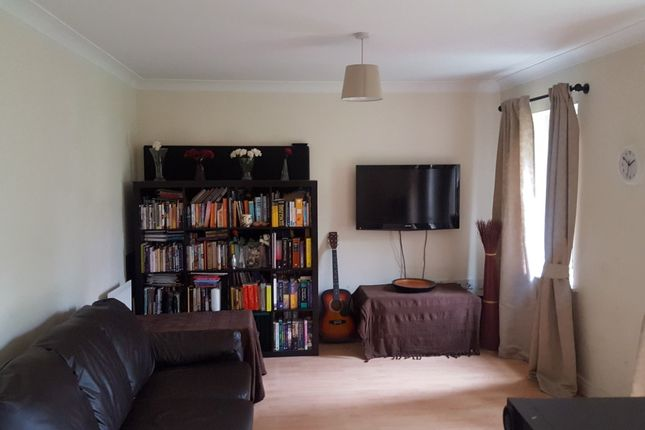Flat for sale in Thornbury Close, Mill Hill