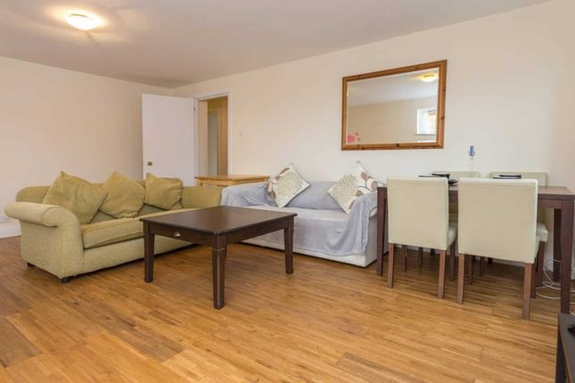 Thumbnail Flat to rent in Heron Place, London