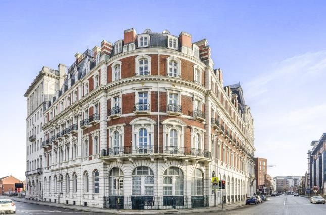Thumbnail Flat for sale in South Western House, Southampton, Hampshire