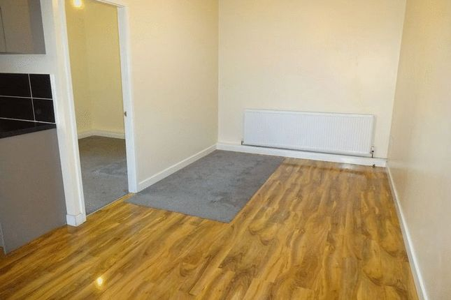 Thumbnail Flat to rent in Malvern Road, Knottingley