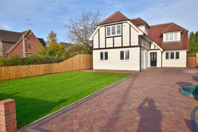 Thumbnail Detached house for sale in Mill Road, Billericay