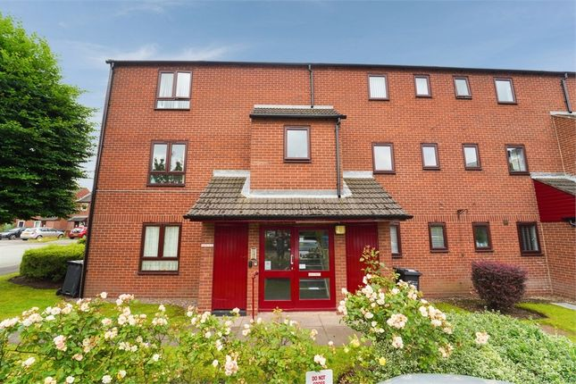 Thumbnail Flat for sale in Maxwell Close, Lichfield, Staffordshire