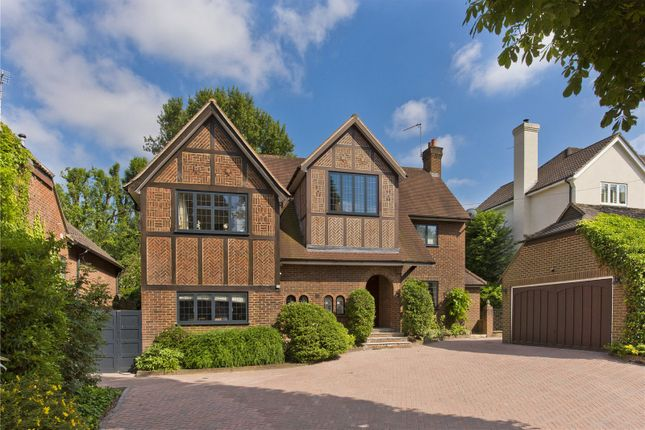 Detached house to rent in Vincent Close, Esher, Surrey