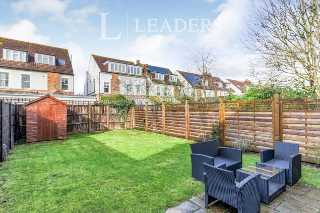 2 bed maisonette to rent in Windmill Lane, Long Ditton, Surbiton KT6