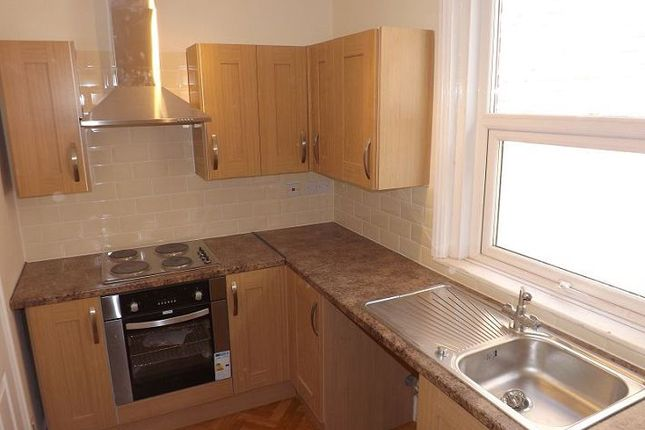 Thumbnail Flat to rent in Albert Road, Southsea, Hants