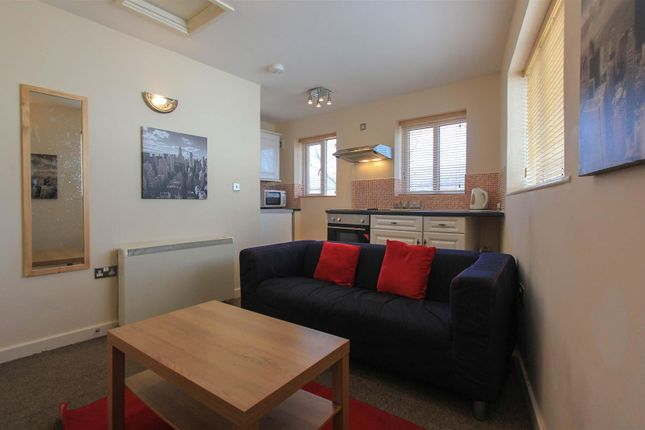 Thumbnail Flat to rent in Wells Street Lane, Cardiff