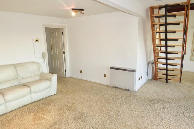 Thumbnail Penthouse to rent in South Square, Boston