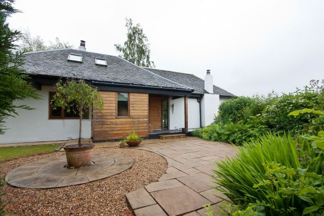 Thumbnail Cottage for sale in Belltrees Road, Howwood, Renfrewshire