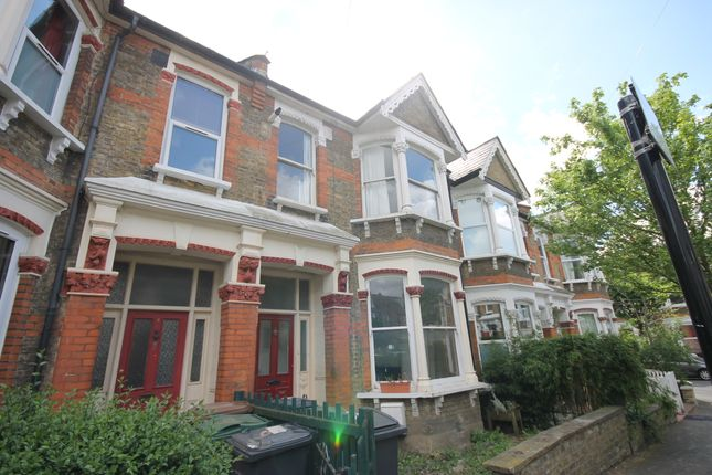 2 bed flat to rent in Cleveland Park Crescent, London