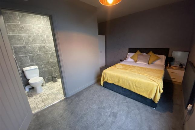 Room Four of Milnrow Road, Rochdale, Rochdale OL16