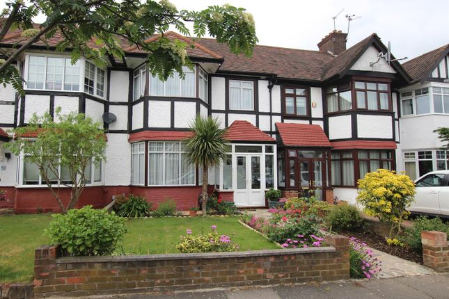 4 bed terraced house for sale in Colne Road, London