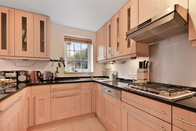 Thumbnail Property to rent in Grove Road, Surbiton