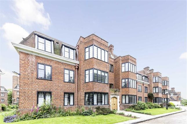 Thumbnail Flat to rent in Manor Fields, London