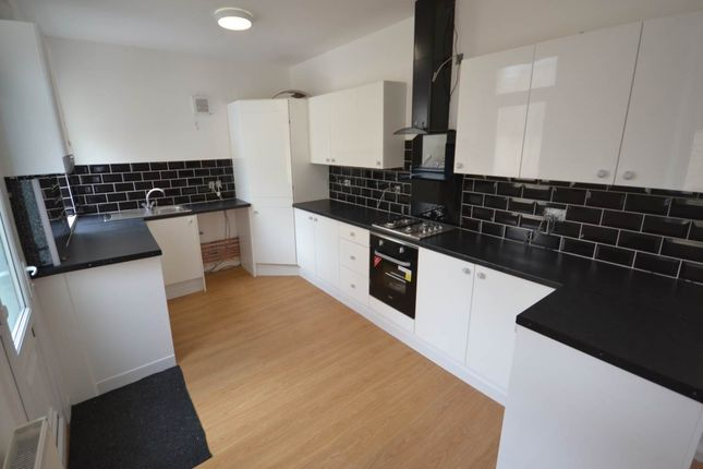 7 bed property to rent in Simonside Terrace, Heaton, Newcastle Upon Tyne