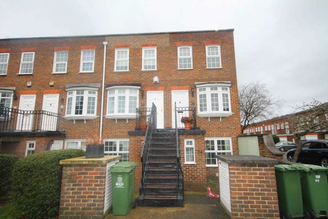 Thumbnail Flat to rent in Regency Way, Bexleyheath