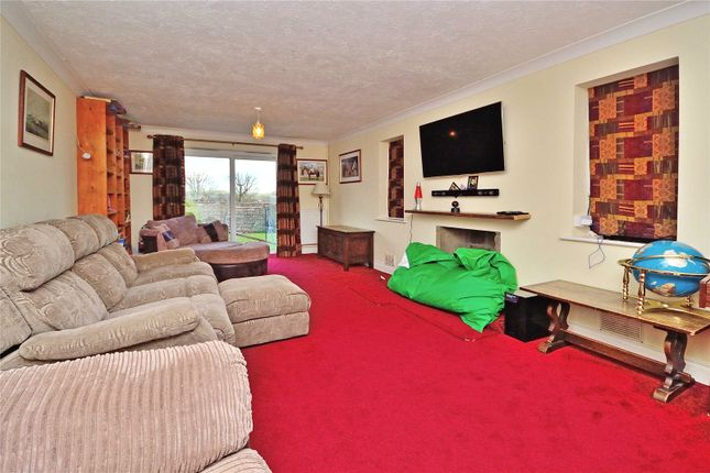 Picture No. 19 of Long Furlong, Findon, Worthing, West Sussex BN14
