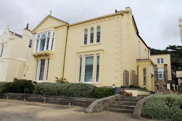 Thumbnail Flat to rent in Upper Kewstoke Road, Weston-Super-Mare