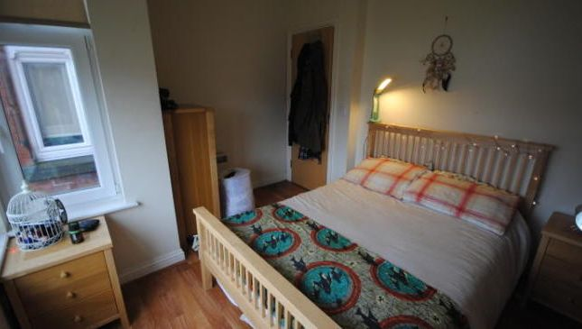 Photo 5 of Flat 3, Hyde Park, 79 Brudenell Grove, Hyde Park LS6