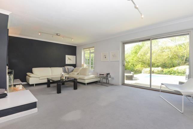 Lounge of Guildford, Surrey GU1