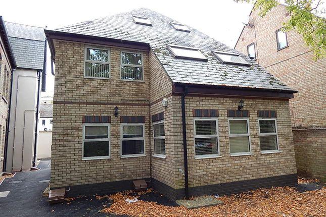 Thumbnail Property to rent in Grammar School Walk, Huntingdon