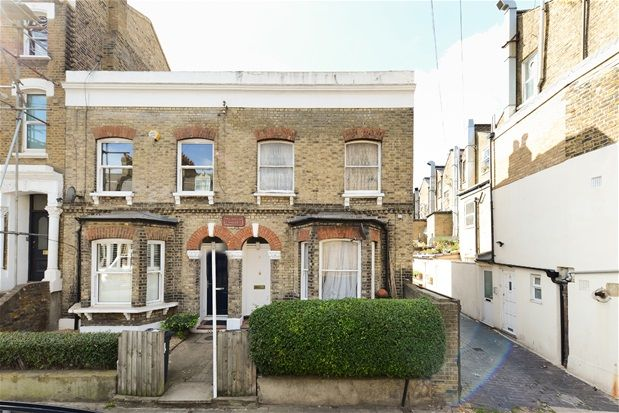 Thumbnail Terraced house for sale in Arlingford Road, London