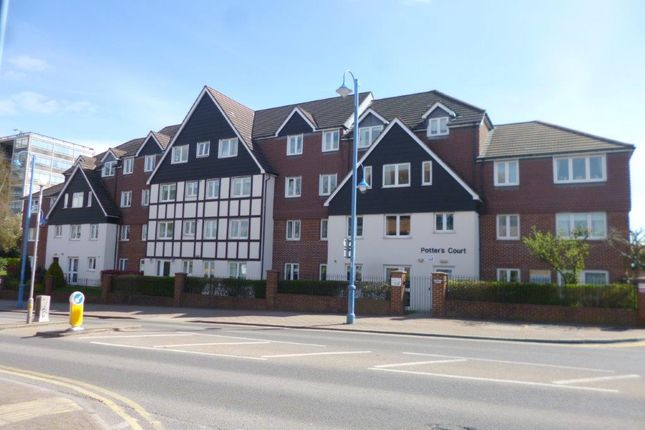 1 bed flat for sale in Potters Court, Potters Bar, Herts EN6