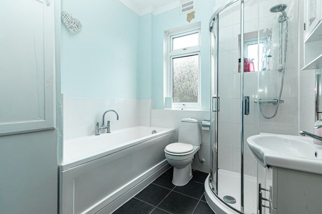 Bathroom of St Benets Road, Souhend-On-Sea SS2