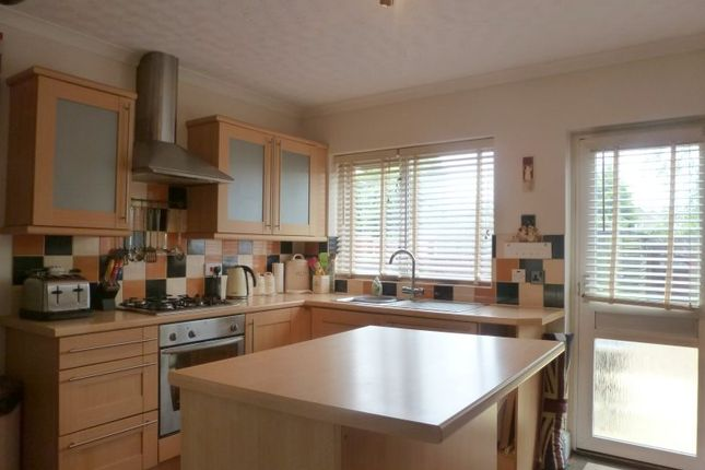 Thumbnail Semi-detached house to rent in Montrose Avenue, Welling