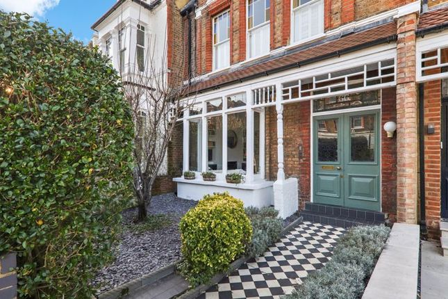 Thumbnail Flat for sale in Weston Park, London