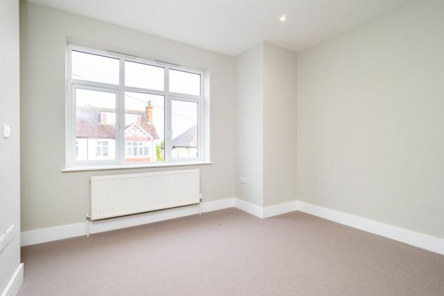 Bedroom of Hawthorn Road, Sutton, Surrey SM1