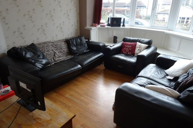 Thumbnail Semi-detached house to rent in Moor Park Drive, Headingley