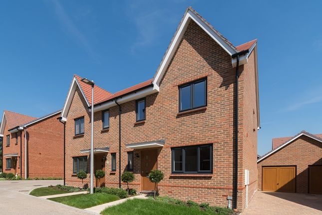 """Thumbnail Property for sale in """"Leith"""" at Ambler Drive, Arborfield, Reading"""