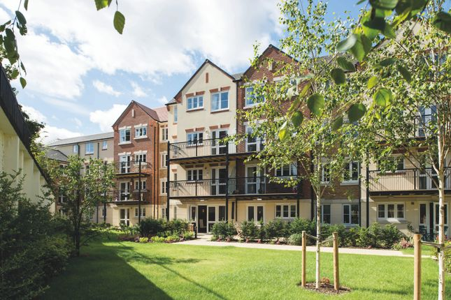 1 bed flat for sale in Churchfield Road, Walton-On-Thames KT12