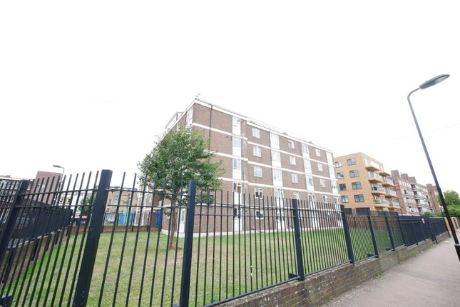 Flat for sale in Stanway Court, Hoxton